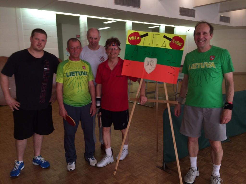 ŠALFASS 2014 m. stalo teniso turnyro asmeninių ir dvejetų varžybų nugalėtojai bei prizininkai (trūksta D. Pavasario)